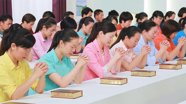 ¿Por qué sólo por medio de experimentar y obedecer la obra de Dios encarnado es que se puede conocer a Dios?