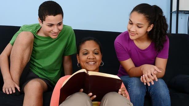 Rapporto tra genitori e figli: c'è un modo per risolvere il divario generazionale!