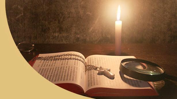 Вопрос 1: Библия является свидетельством Божьей работы, и ее польза для человечества неоценима. Читая Библию, мы поняли, что Бог – это Творец всего, мы узрели чудеса и всемогущество Бога и его дела. Если Библия – запись Божьего слова и свидетельство людей, почему нельзя получить вечную жизнь, читая Библию. Почему в ней нельзя найти путь вечной жизни?
