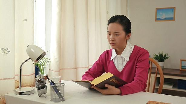 问题(16)我是刚接受的新人,因平时上班还要忙家务,读神的话语就少,担心我信神时间短,没装备好真理,一旦神的工作结束了,我还没有达到性情变化,神会不会撇弃我呢?