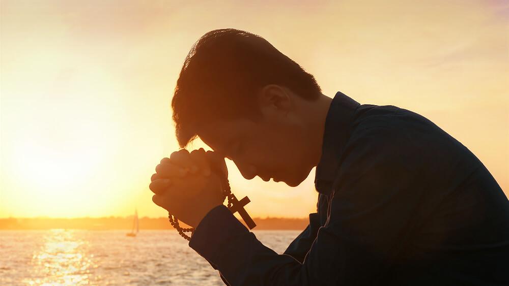 如何祷告才能蒙神垂听