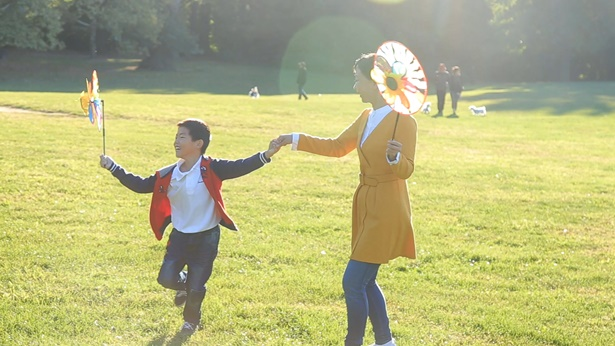 姊妹帶走5歲的兒子在公園玩